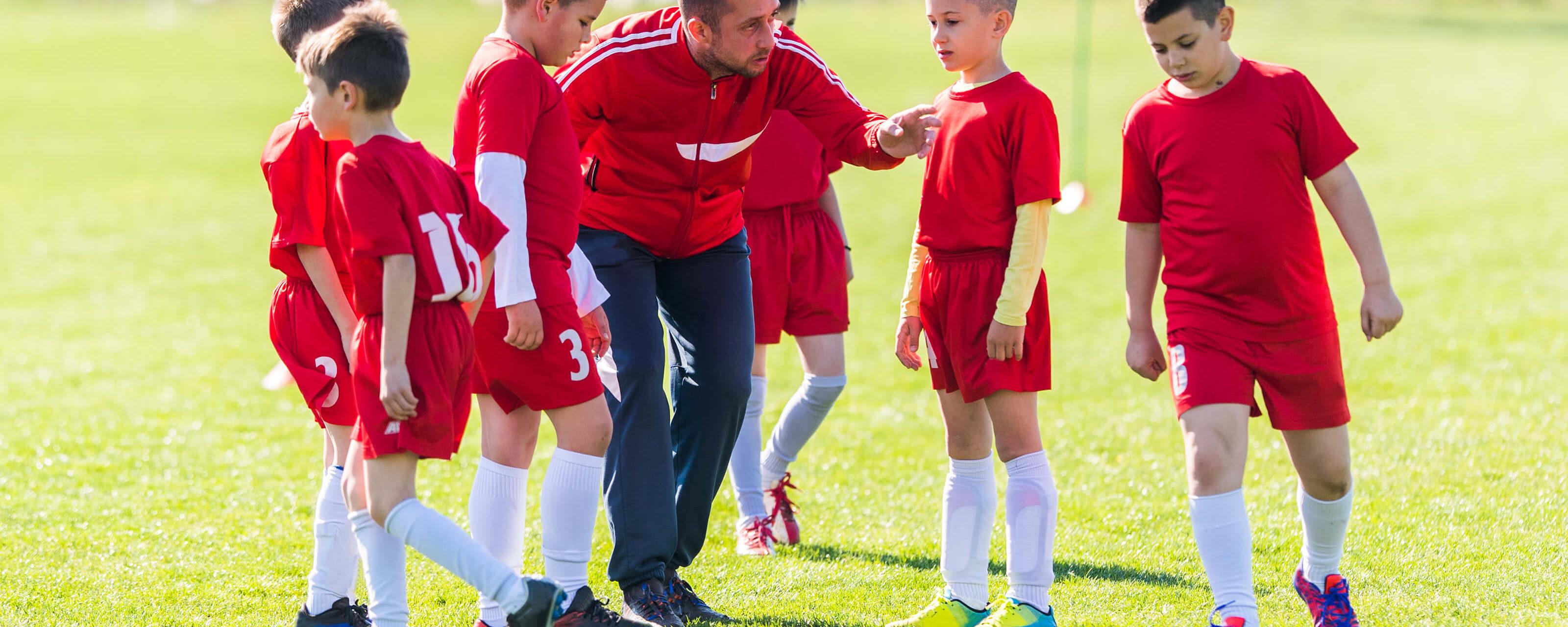 Cambiare l'allenatore: da evento potenzialmente traumatico a opportunità di crescita, cosa cambia a seconda dell'età dell'atleta